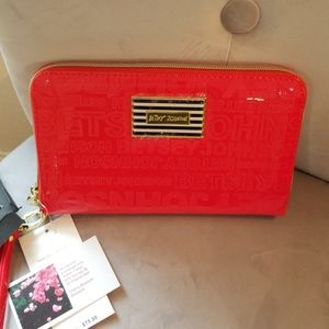 Sale Betsey Johnson patent leather wallet